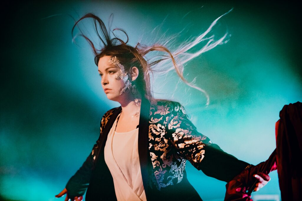 Ethereal Kingdoms live at slay home slay safe festival. Sofia Schmidt lead singer. Portrait by Nikolaj Bransholm